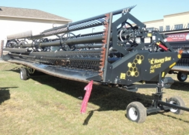 2017 Honey Bee 245 Header Combine