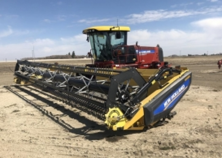 2014 New Holland SR130 Windrower