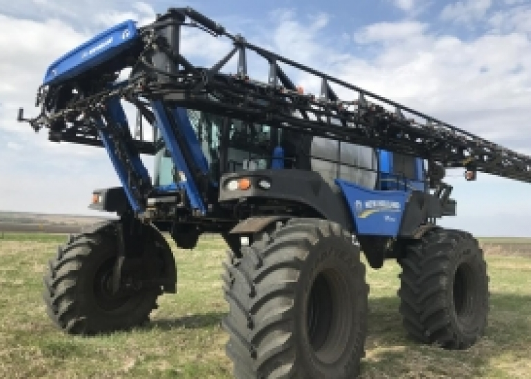 2017 New Holland SP.295F Sprayer/High Clearance