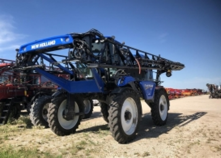 2018 New Holland SP310F Sprayer/High Clearance