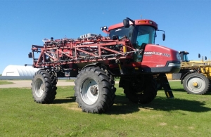 2011 Case IH 4420 Sprayer/High Clearance