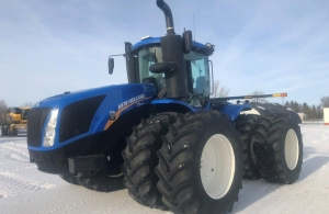 2017 New Holland T9.435 Tractor