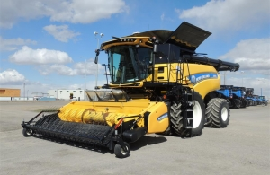 2016 New Holland CR8.90 Combine