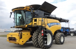 2016 New Holland CR9.90 Combine