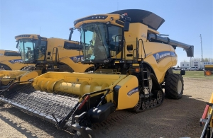 2019 New Holland CR8.90Z Combine
