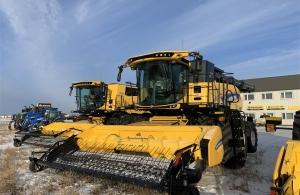 2017 New Holland CR9.90 Combine
