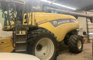 2017 New Holland CR9.90Z Combine