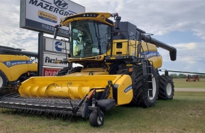 2019 New Holland CR8.90 Combine